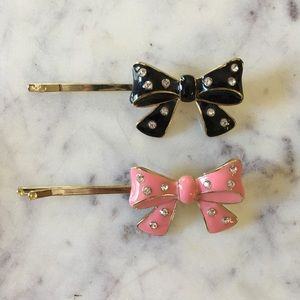 Forever 21 Crystal Bow Hair Pins